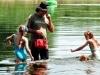 wassernixen in Übigau - das Wasser ist erstaunlich sauber
