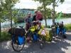 Happy Fahrrad-Familie in Kanada