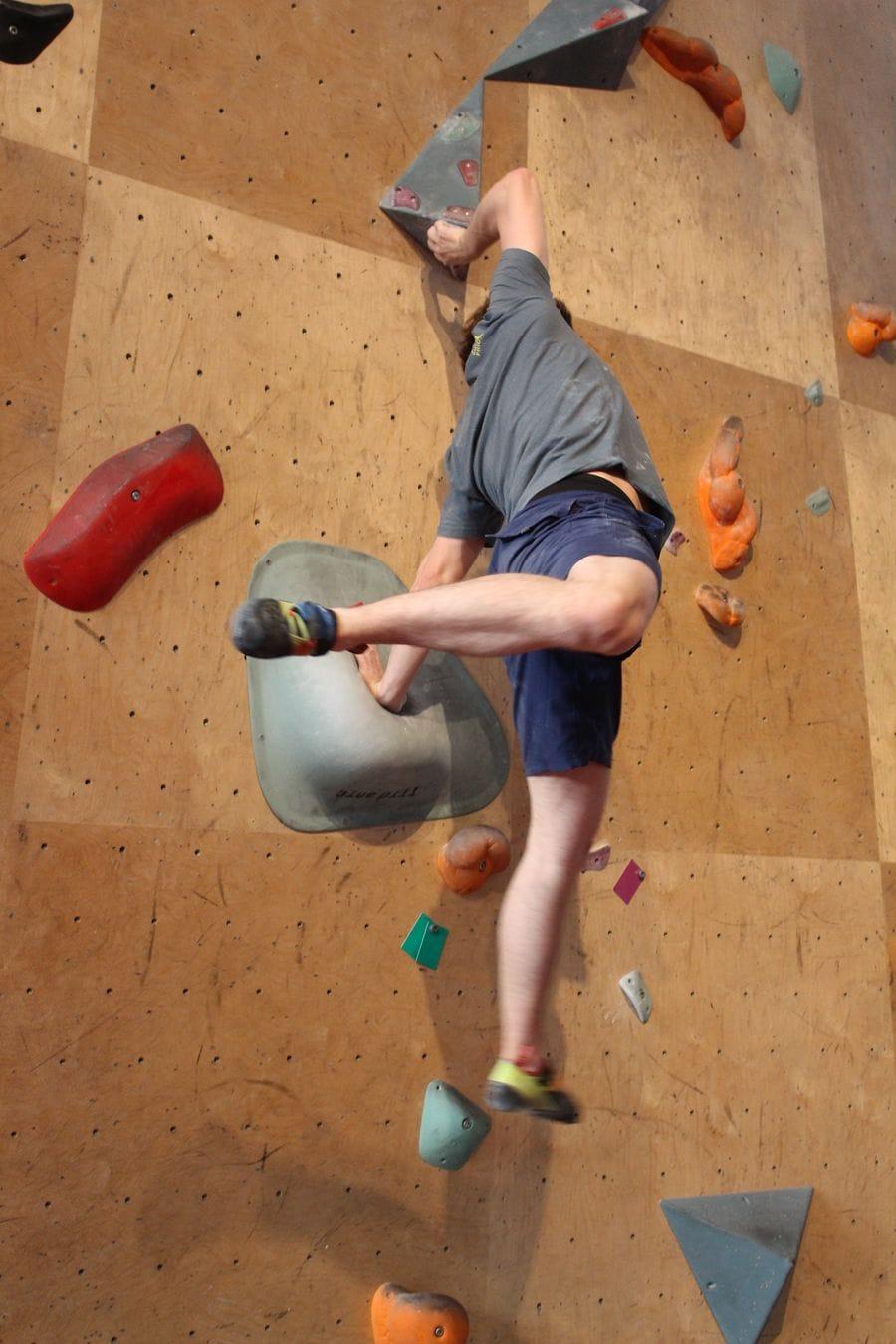 Friciton Labs - Boulderhalle mit kompliziertem Griff