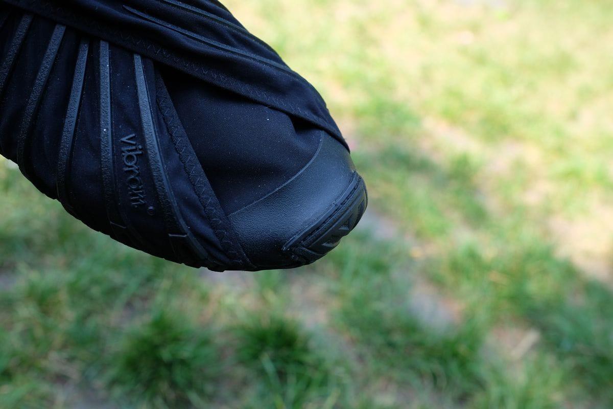 Extraschutz für die Füße durch die Zehenkappe.©CAMP4/Dennis