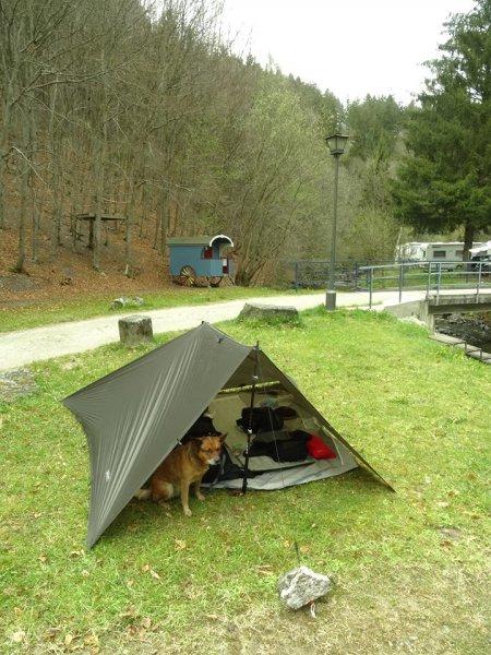 Zeltplatz mit Entspannungsatmosphäre