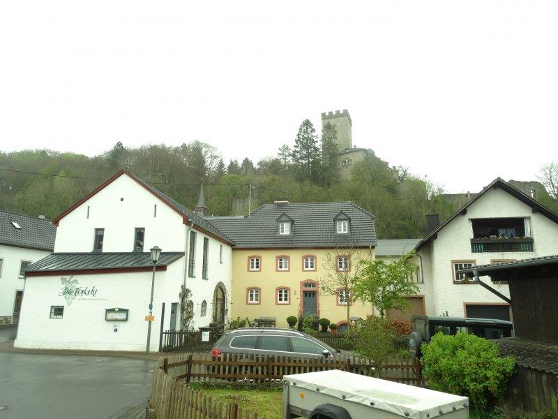 Kerpen mit Burg und doofer Herberge