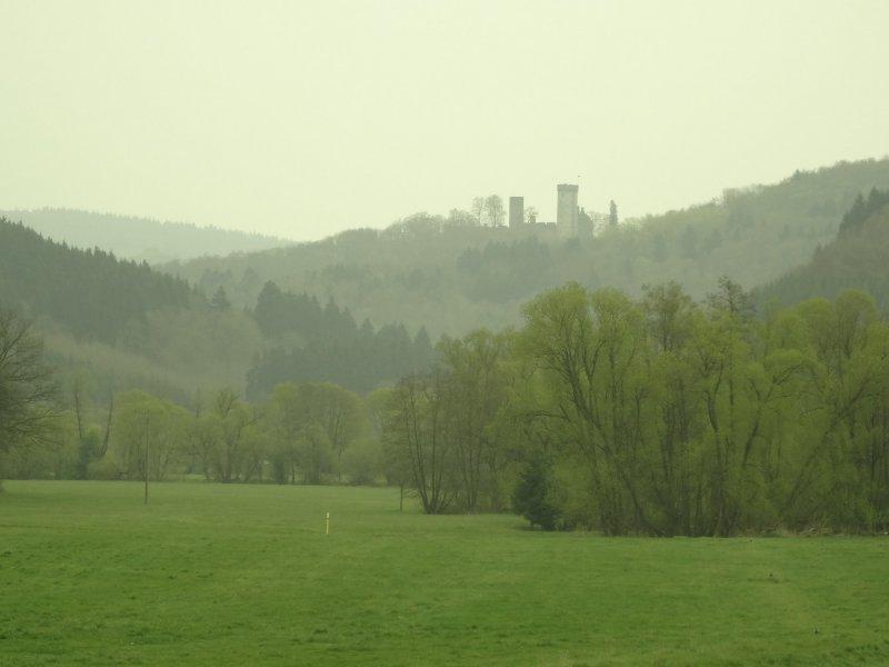 Kasselburg – näher kommt der Eifelsteig ihr nicht