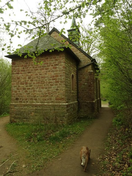 Büschkapelle, aus Dankbarkeit für irgendne Rettung gebaut
