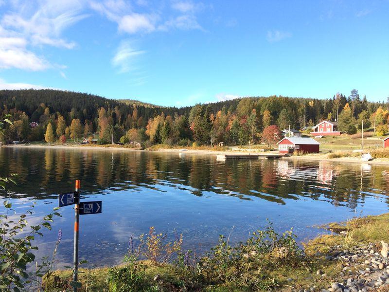 Höga Kusten - Wir folgen den Schildern am See