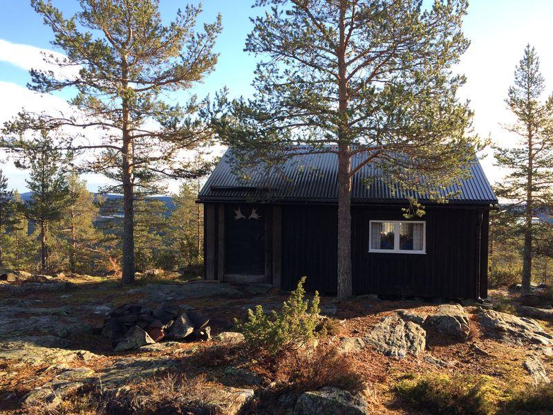 Höga Kusten - Hütten von Einheimischen finden sich überall