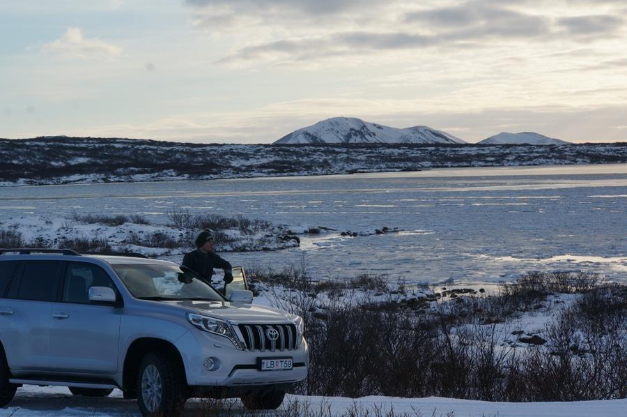 Auf dem Weg zum Nationalparks Thingvellir, vorbei am Thingvallavatn, den größten See des Landes