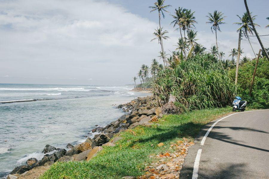 Sri Lanka - auf der Küstenstraße mit Meerblick