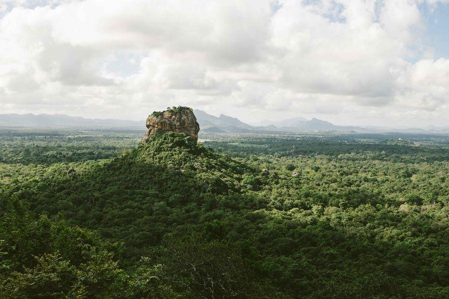 Sri Lanka - Ein einsamer Berg