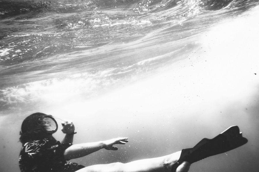 Sri Lanka - Taucher unter Wasser