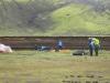 Island Álftavatn - einige die später kamen mussten beim Aufbau schon gegen den Wind ankämpfen