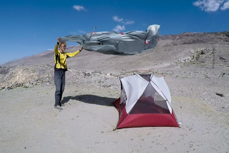 CAMP4 Testbericht MSR Elixir 2 - Zeltaufbau bei Wind