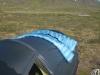 Ausnahmesituation: Der NanoLite zum Lüften auf dem Zelt. Meist lag der NanoLite durch einen Lufthauch auf dem Boden.