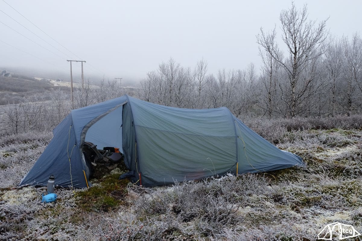Der erste Morgen beim Zeltabbau. Zelt: Helsport Fjellheimen SL 2P