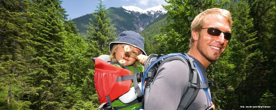 Mit Kindern unterwegs kann ganz neue Horizonte eroeffnen. Foto: deuter.de/Birgit Gelder