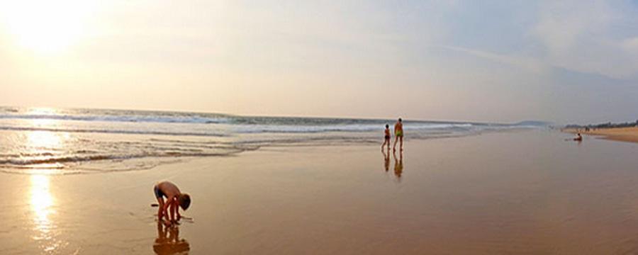 Feste Konstante sind die regelmäßigen Besuche am Strand. Hier in Goa.