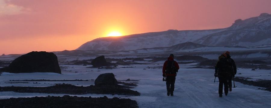 Sonne, Eis und Meer – ein unvergessliches Winterabenteuer auf Island