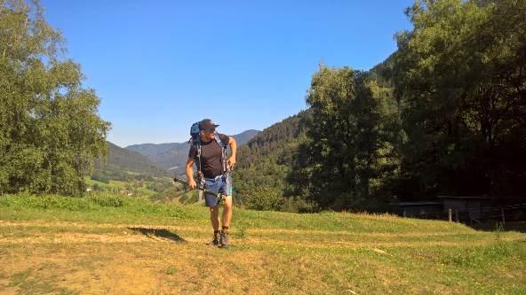 Felix beim Wandern in den Bergen