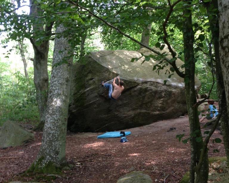 Marco beim Bouldern