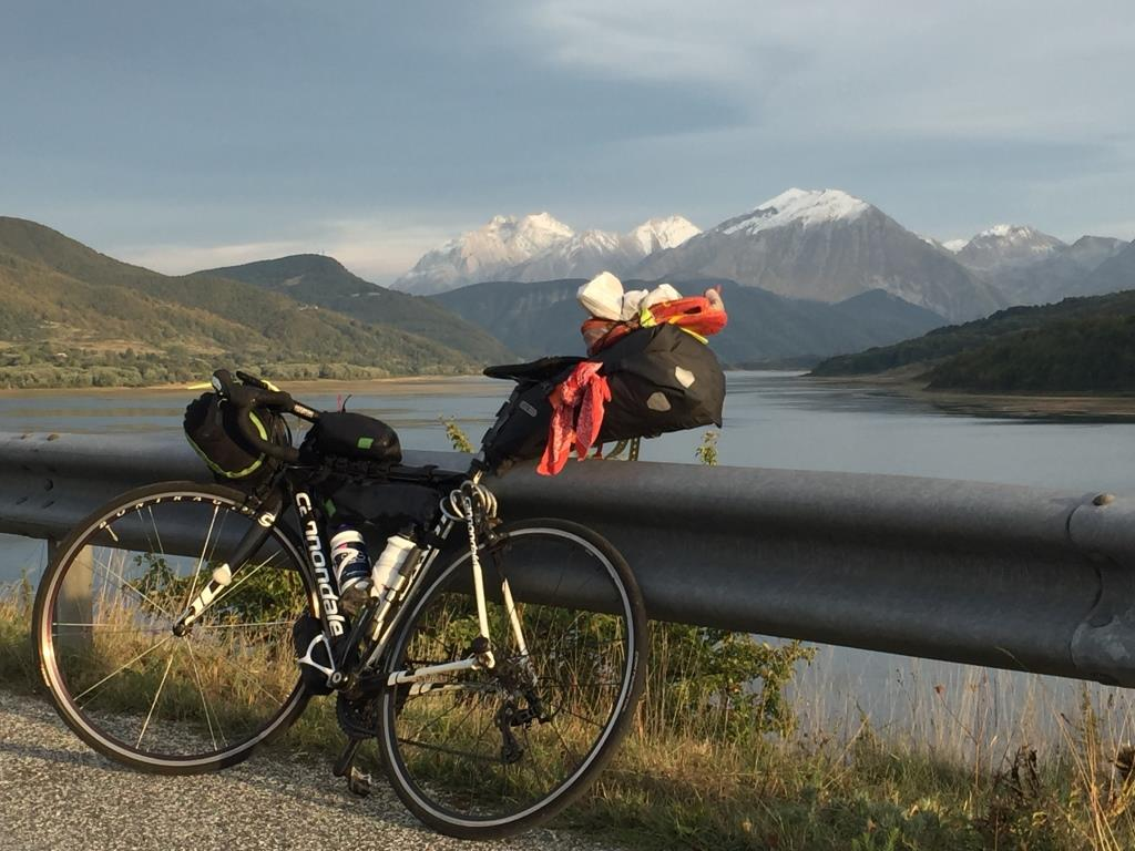 Fahrrad, See und Berge